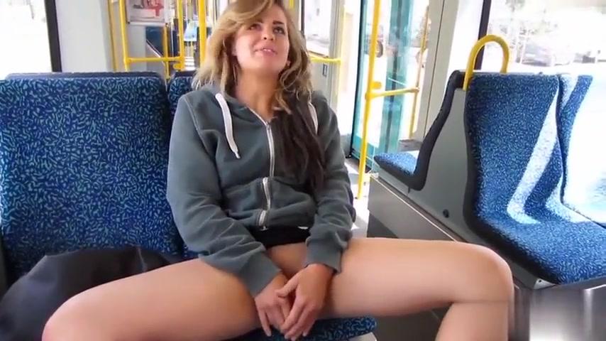 Bus nackt im sex Befummelt